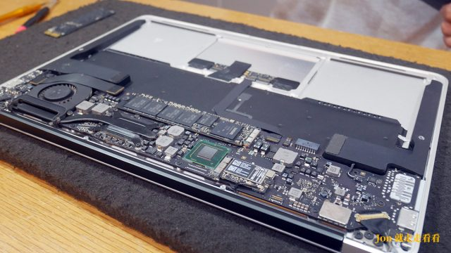 MacBook電池拆卸-板橋Mac維修推薦